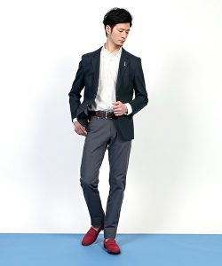 f8aeb324e5ff41 http://zozo.jp/shop/lanvinmen/goods-sale/10140450/?kid=13080 クールビズではさわやかさの出る ネイビー色がおすすめです。 どのシャツの色でも相性がいいです。